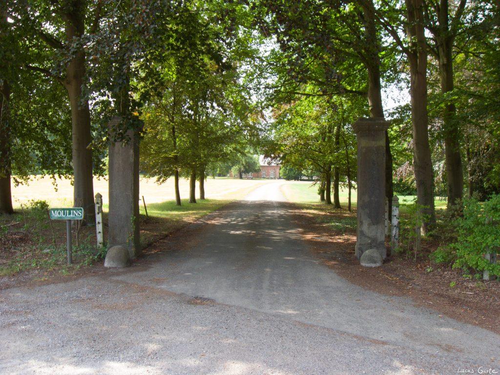 Eingang zu einem Chateau
