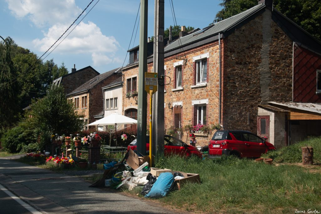 Saint-Hubert, bebaut.