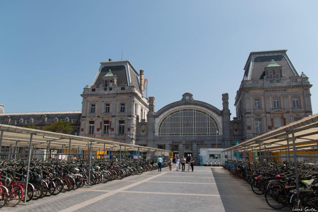 Bahnhof Oostende von außen