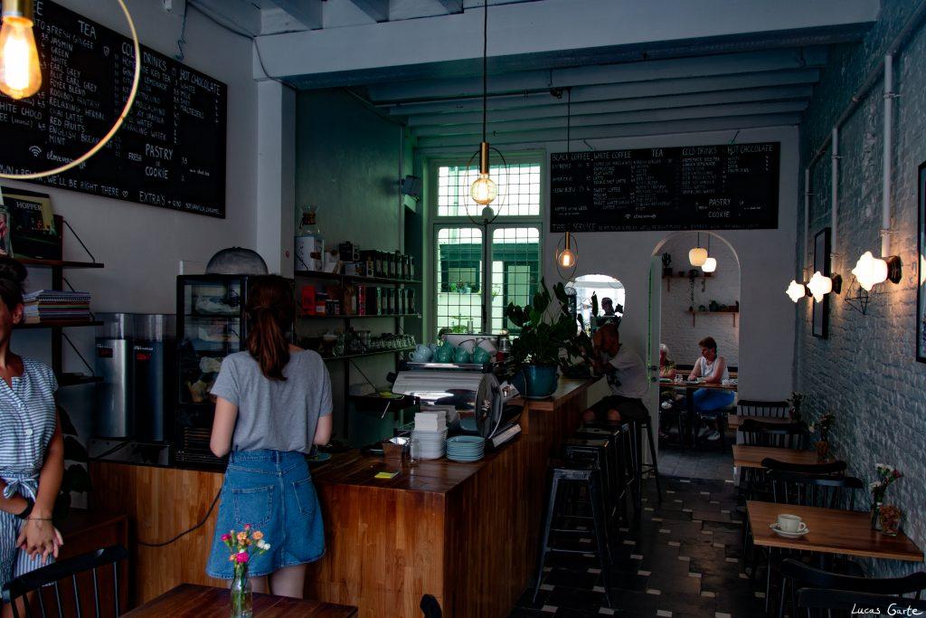 Café, etwas versteckt