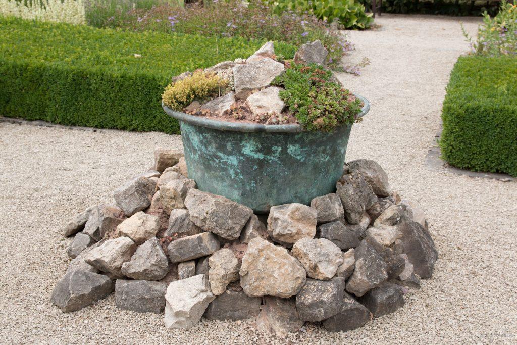 Stein und Mörtelwanne